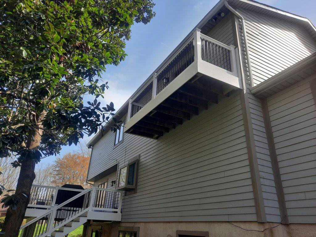 balcony deck in Annapolis