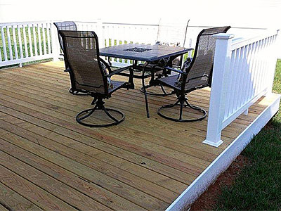 Wood Deck with vinyl rail