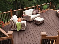 <b>Transcend Decking in Vintage Lantern and Tree House</b>