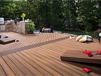 <b>Trex Transcend Decking in Havana Gold and Spiced Rum</b>