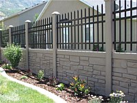 <b>Brown Granite Ecostone Simtek Fence mixed with Aluminum</b>