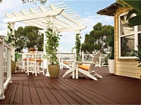 <b>Trex Transcend Decking in Lava Rock and Railing and Pergola in Classic White.  Glass panel railing.</b>