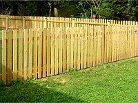 <b>Wood Picket Fence with Dog Ear Pickets</b>