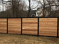 <b>Alumi-Guard Melange Aluminum Frame with Horizontal Cedar Pickets</b>
